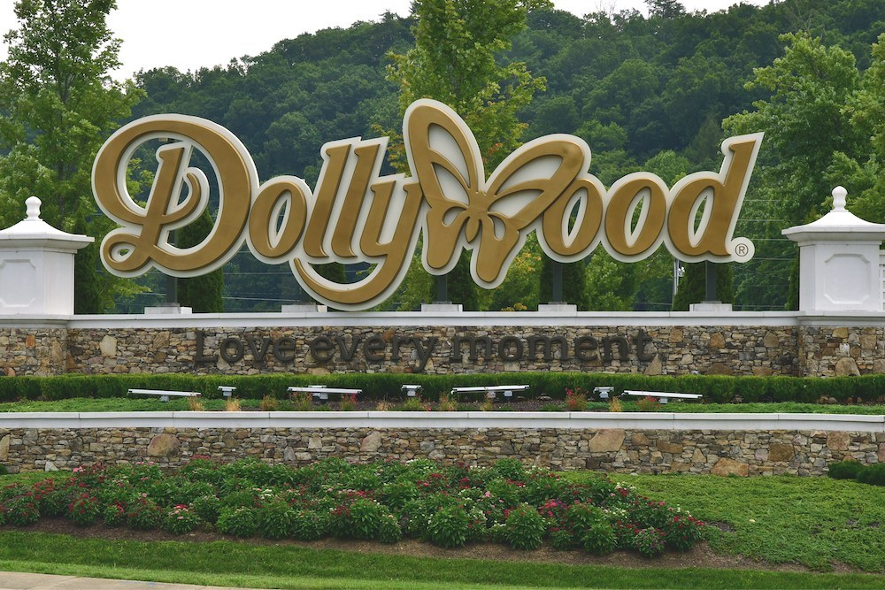 Top 4 Benefits of Purchasing a Season Pass to Dollywood