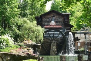 Dollywood mill